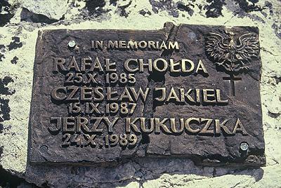 27kukuczka_tablica_pamiatkowa